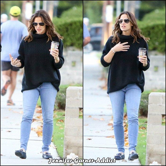 Jen a été boire un café avec son agent - le 3 Novembre -