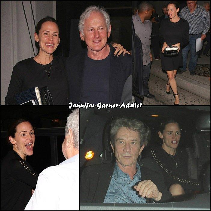 Jen a été manger au restaurant avec Victor Garber (son papa dans Alias, parrain de Séraphina) - le 13 Novembre soir -