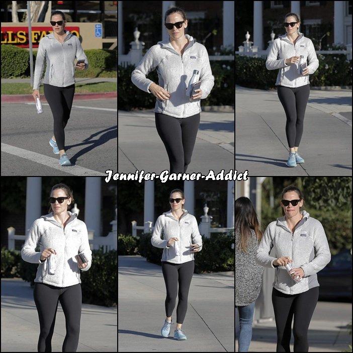 Jen sortant de la gym - le 29 Novembre -