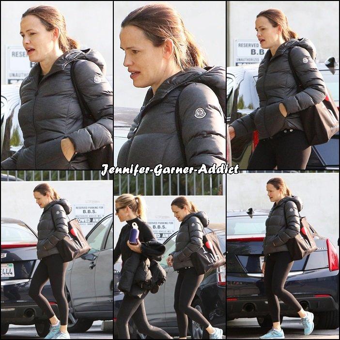Jen sortant de la gym- le 10 Décembre -