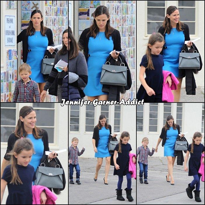 Jen et les enfants sortant de l'église - le 11 Décembre -