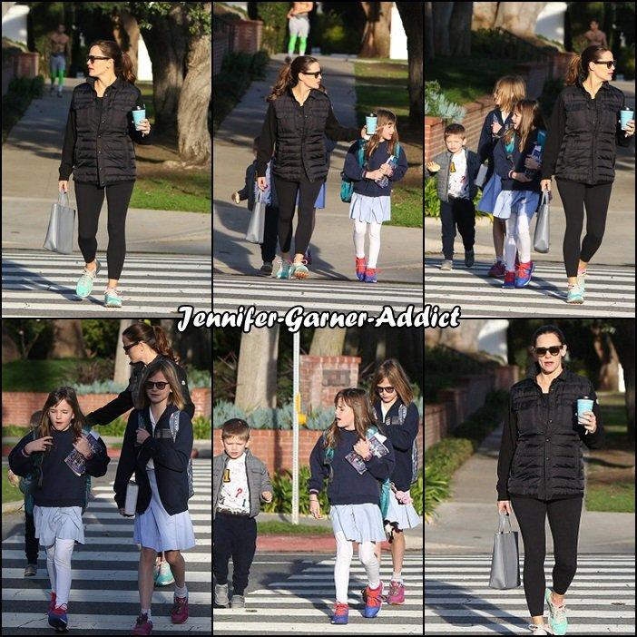 Jen a été amener les filles à l'école avec Samuel puis ils ont été se chercher un petit déjeuner tous les 2 - le 31 Janvier -