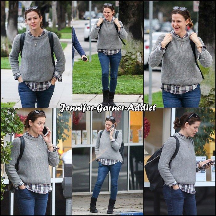 Jen a été faire du shopping avec une amie- le 7 Février -
