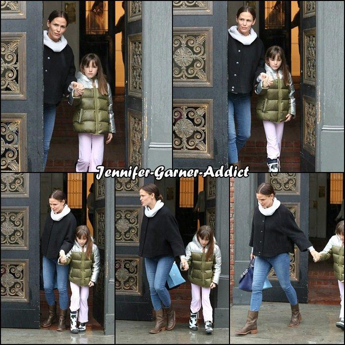 Jen et Séraphina après des courses à Brentwood - le 17 Février !!!!!!!!!! -