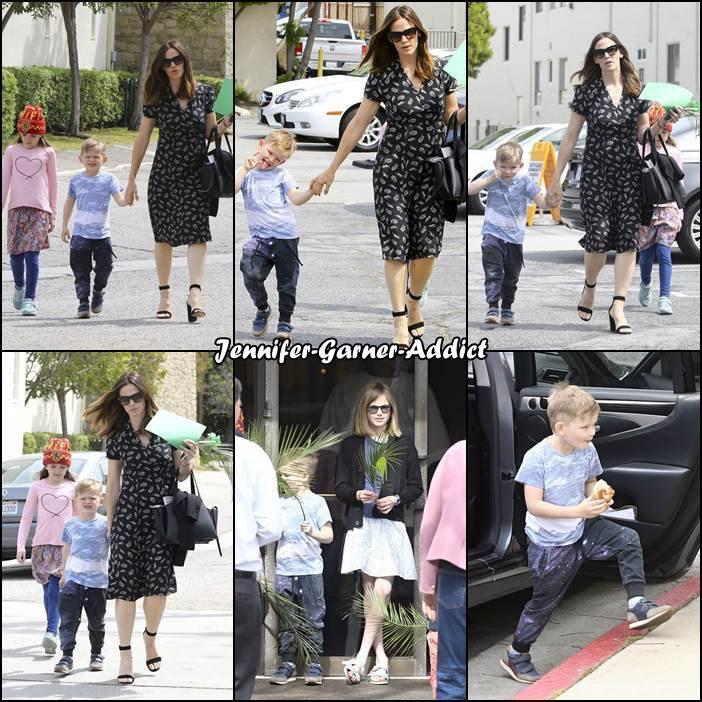 Jen et les enfants sont allés à l'église - le 9 Avril -