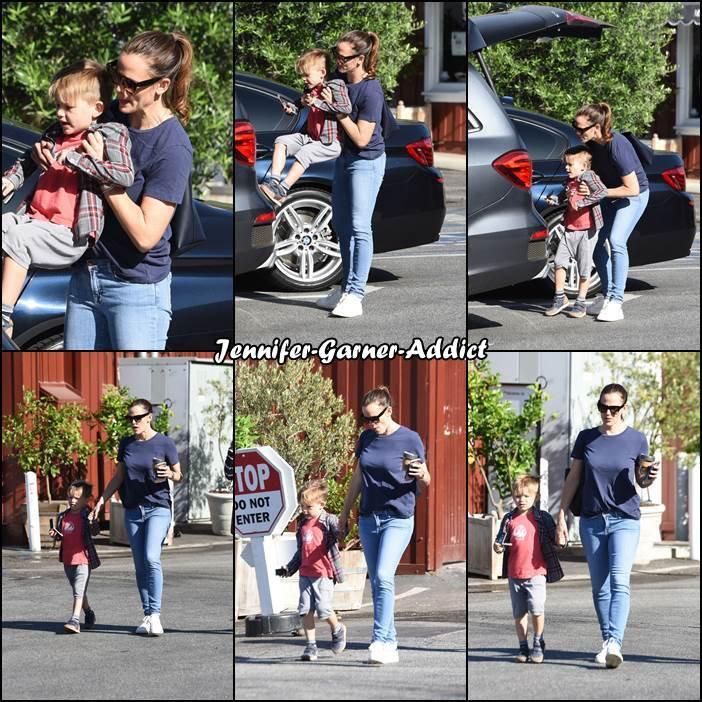 Jen et Samuel sont allés amener les filles à l'école puis sont allés se chercher un café - le 2 Mai -