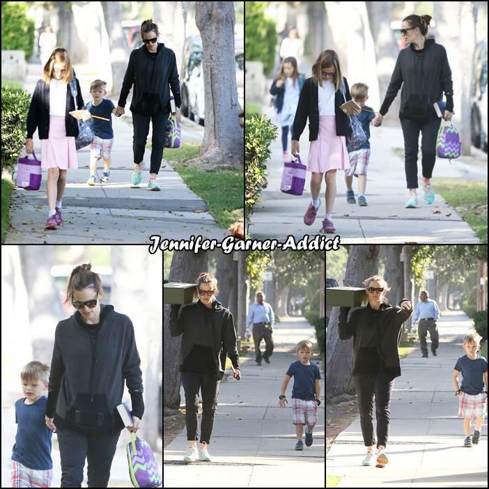 Jen et Samuel sont allés amener les filles à l'école et Jen est repartie les bras chargés - le 4 Mai -