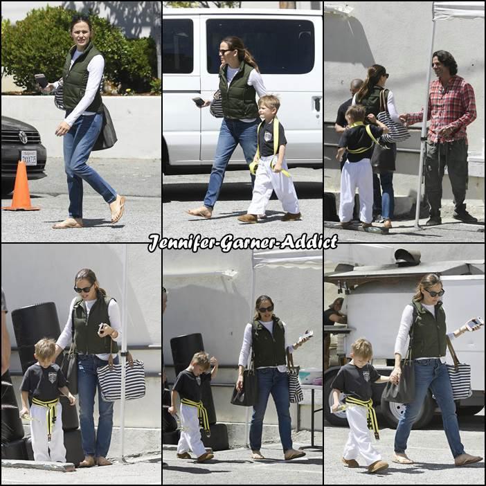 Jen a été amener et chercher les enfants au karaté - le 13 Mai -