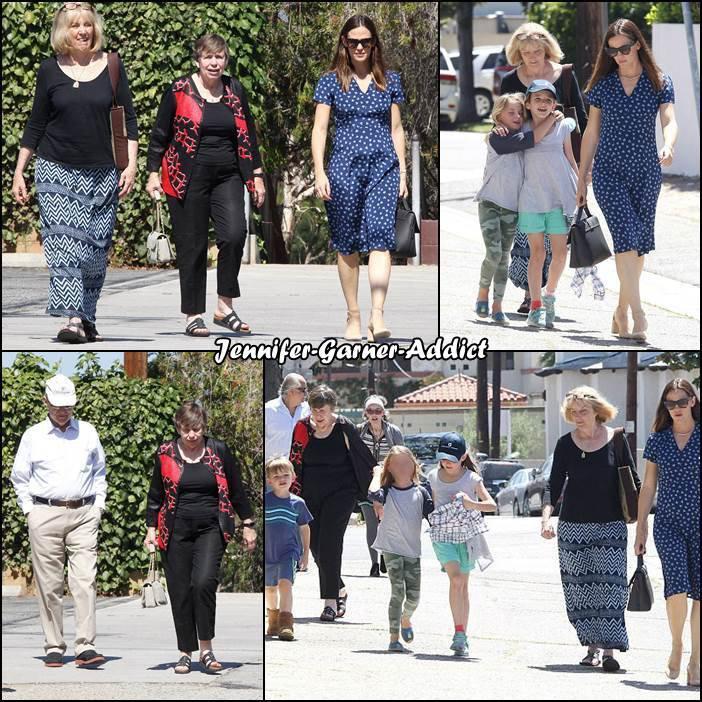 Jen, ses parents, Chris Affleck et les enfants sont allés à l'église - le 21 Mai -
