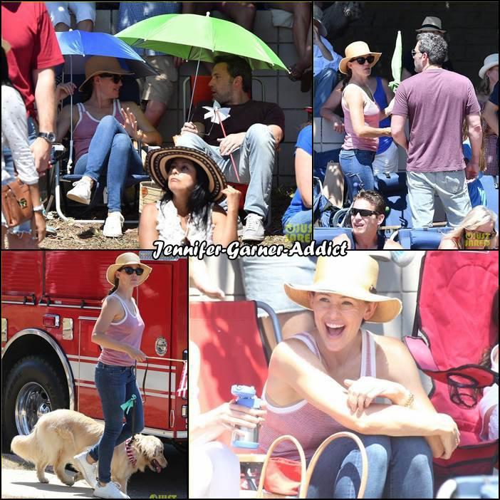 Jen, les enfants, Ben et leur chien ont été à la parade de la fête nationale comme chaque année - le 4 Juillet - Je suis désolée j'ai beaucoup de mal à trouver de photos donc je mettrai des maj au fur et à mesure!