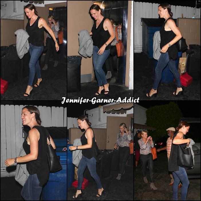 Jen et des amies sont sorties au resto - le 12 juillet -