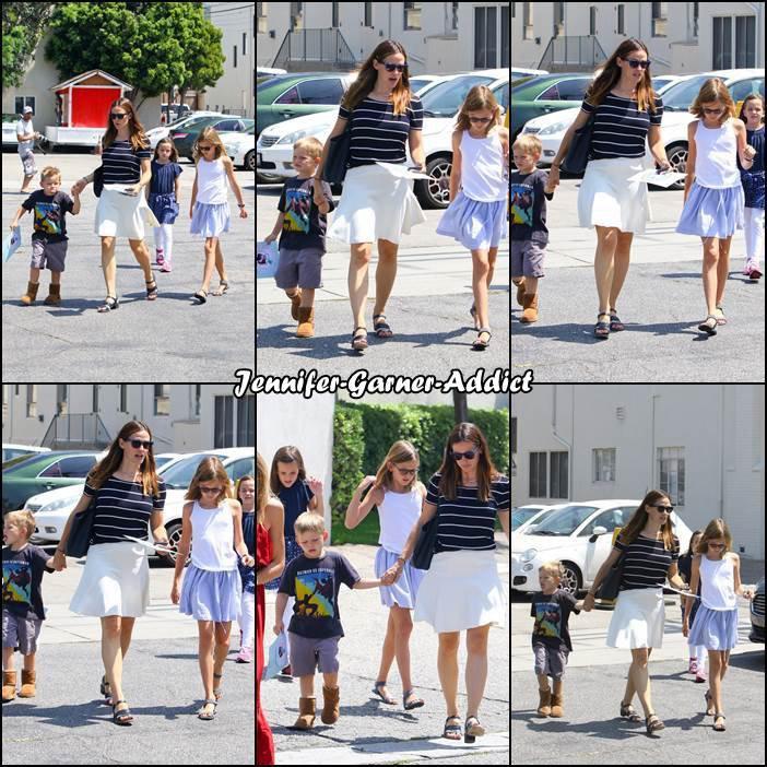 Jen et les enfants sont allés à l'église - le 30 Juillet -