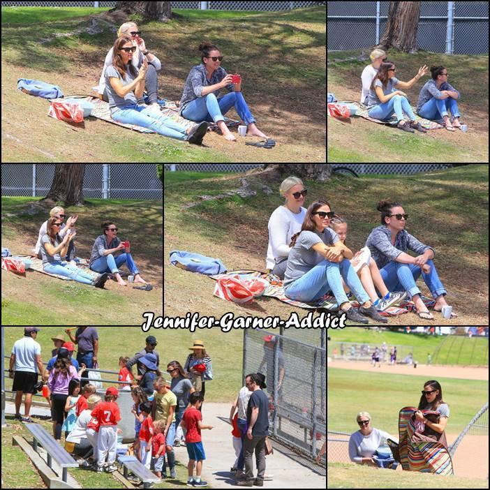 Jen a été voir un match de base ball de Séraphina - le 21 Avril -
