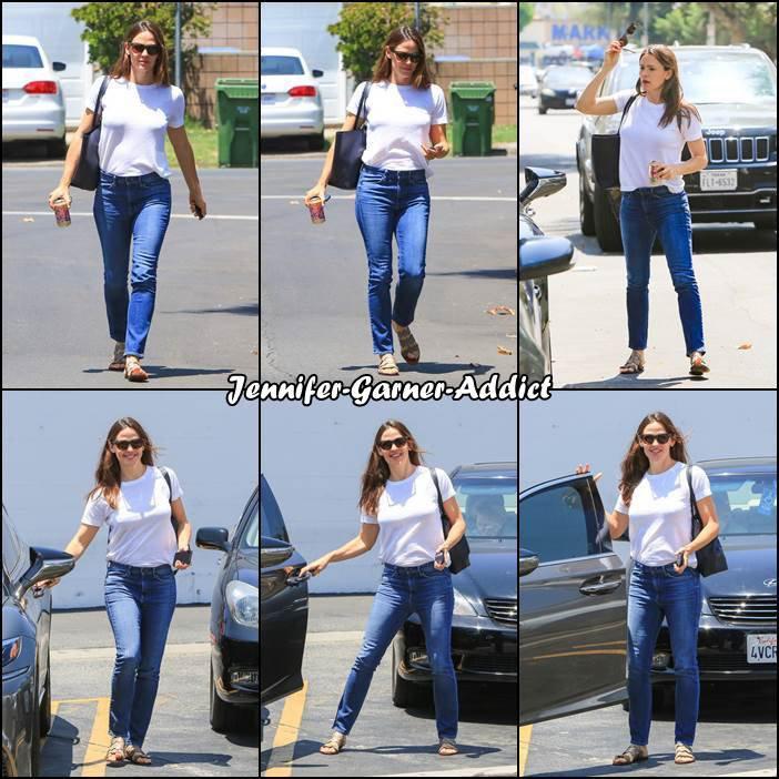 Jen a été faire des courses à LA - le 3 Juillet -
