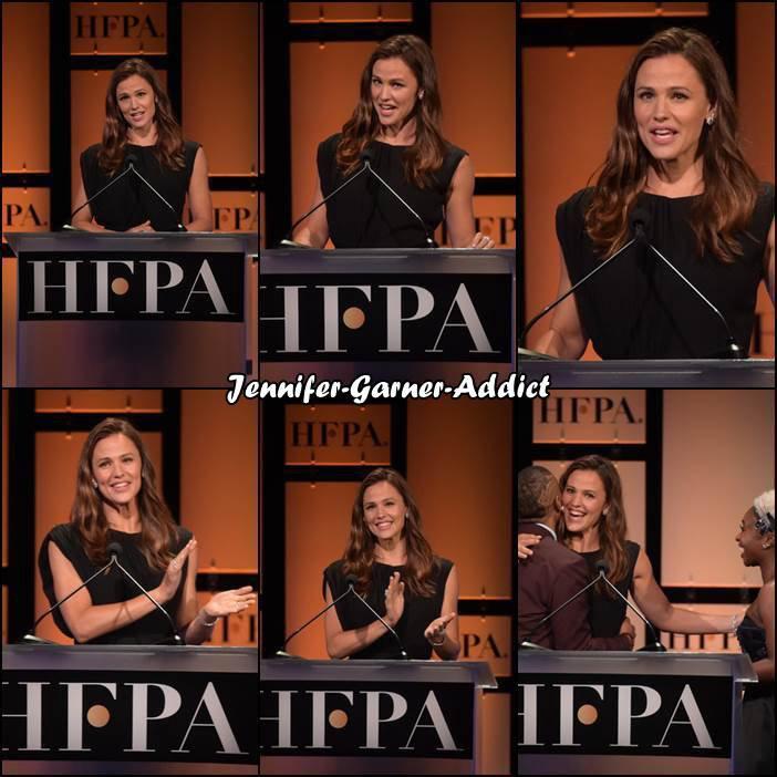 """Jen était au """"Hollywood Foreign Press Association's Grants Banquet"""" - le 9 Aout -"""