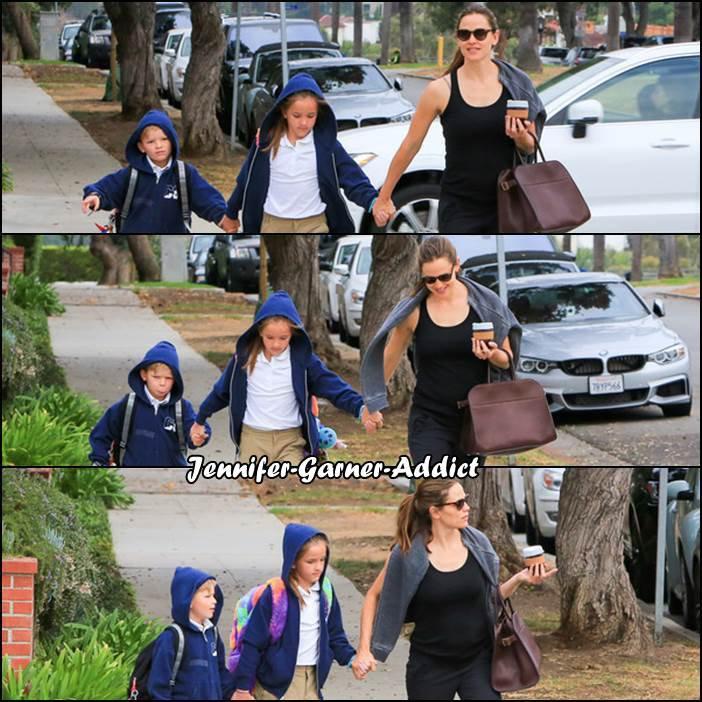 Jen a amené les enfants à l'école - le 11 Septembre -