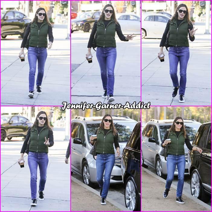 Jen et son agent dans LA - le 26 Novembre -
