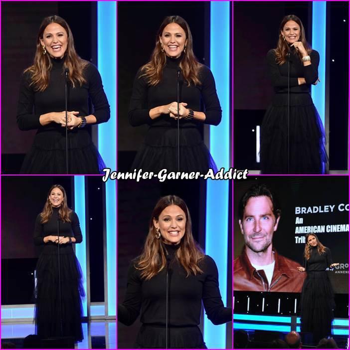 Jen était à la 32ème édition des American Cinematheque Award et elle a remis le prix à Bradley Cooper qui était honoré -le 29 Novembre - Vous n'êtes pas sans savoir que Jen et Bradley ont joué ensemble dans ALIAS qui a été le point de démarrage de la carrière de Bradley! Joli clin d'oeil j'espère trouver des photos des deux acteurs ensemble