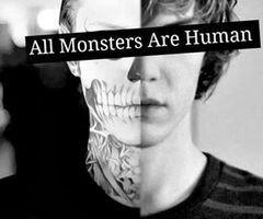 . . Moi : mi-morte, mi-monstre. .