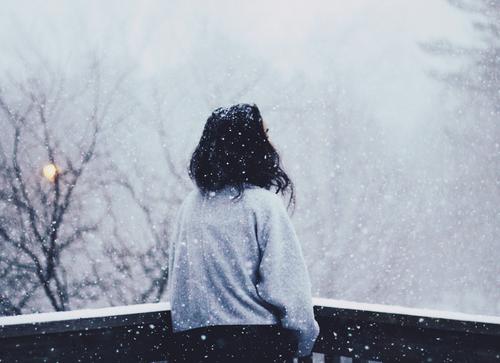 . . Mais la neige ne fond pas.. .