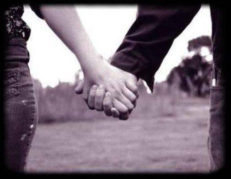 Main dans la main a l'infini
