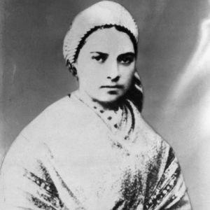 Bernadette Soubirous, de son vrai nom Marie-Bernarde Soubirous, née le 7 janvier 1844 à Lourdes, et morte le 16 avril 1879 à Nevers, est une sainte catholique française.