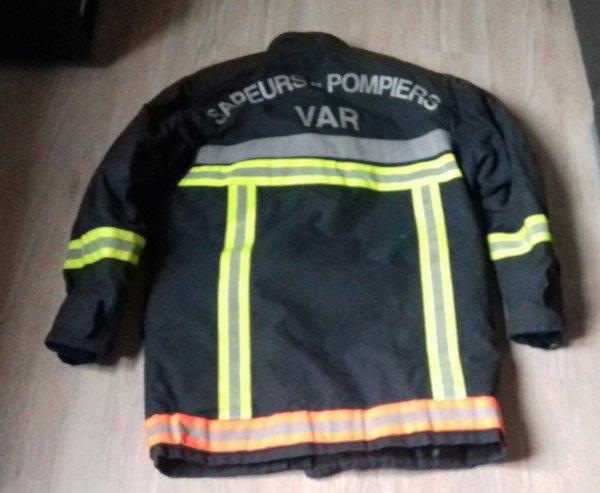 Tenue de feu pompier du var