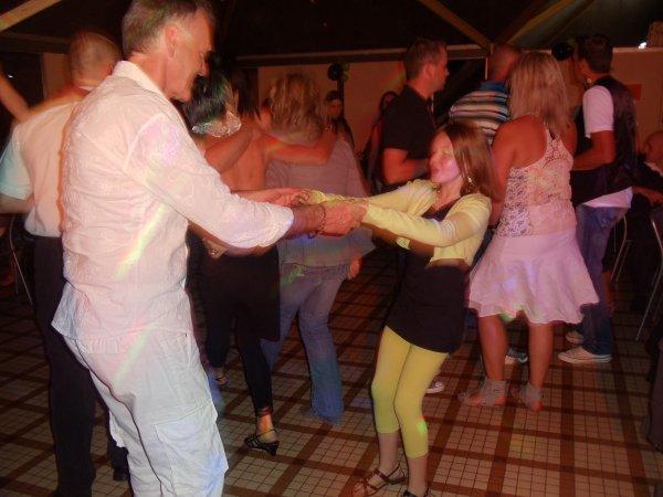 PLACE A LA DANCE !