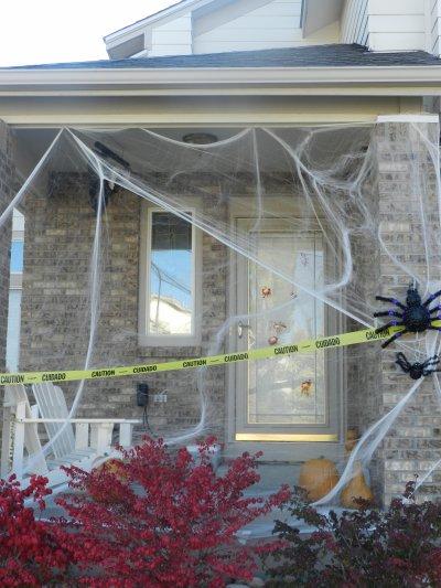 La maison est d cor e il ne reste plus qu 39 a f ter halloween comme il se - Maison decoree halloween ...