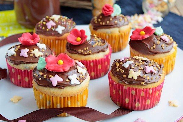 """"""" Cupcakes Printaniers aux Pépites de Chocolat """""""
