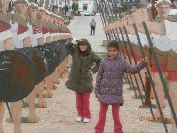 chloe et lorena arrete par les romain lol