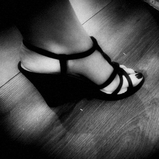 """pieds et talons de """"Reine Adrasthée"""" trop beau rien a dire"""