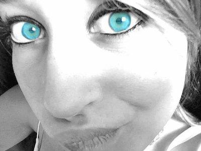 amOuret  au yeux bleu :-)
