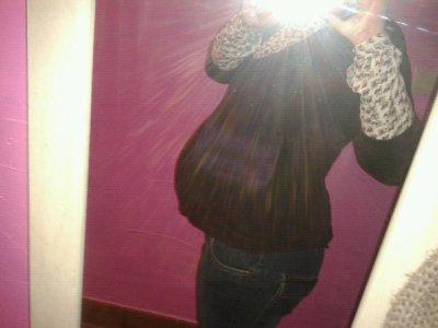 Eden bien au chaud a 38 semaines de grossesse