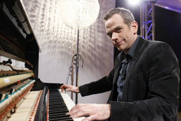 garou au piano