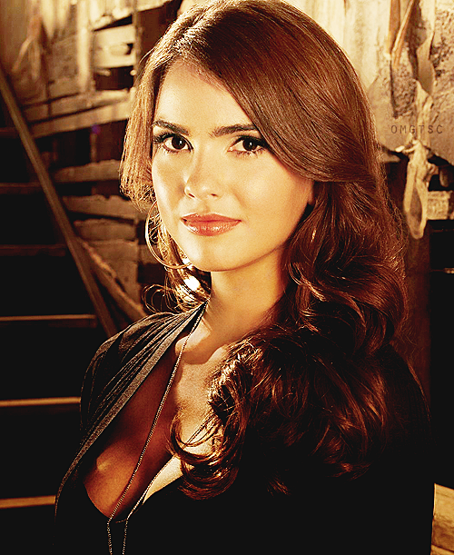 Photo promotionnelle de Shelley Hennig pour The Secret Circle
