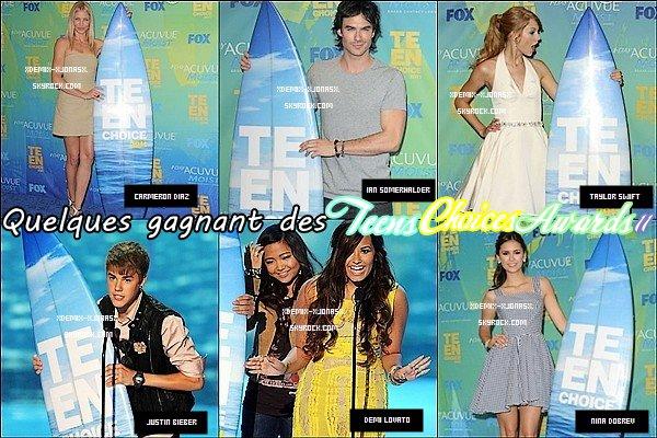 Spécial Teens Choices Awards 2011 qui c'est dérouler Hier le 7 Aout 2011 avec beaucoup de Star aussi Sublime & Styler ! Ils nous ont fait rever avec leur Top sur le Tapis ! Je vous laisse découvrir quelques star qui y été !