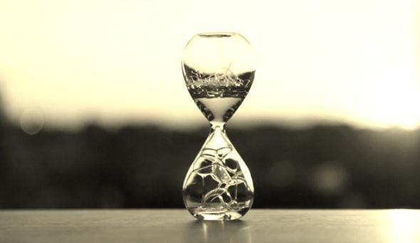 """""""En cent ans, nous avons connu plus de changements qu'en 10 000 ans. Quelle accélération ! Tout va si vite : le présent n'est qu'un morceau d'avenir qui se mue aussitôt en passé."""""""