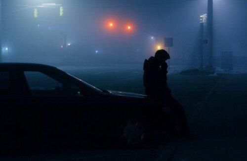 """""""La puissante vague de solitude et de tristesse qui le submergea abandonna une écume d'amertume dans sa gorge."""""""
