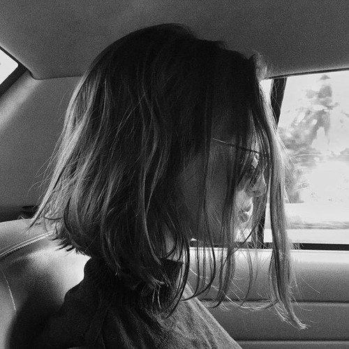 """""""Et elle savait qu'elle ne parviendrait pas à afficher une attitude calme encore très longtemps dans un tel moment de désespoir."""""""