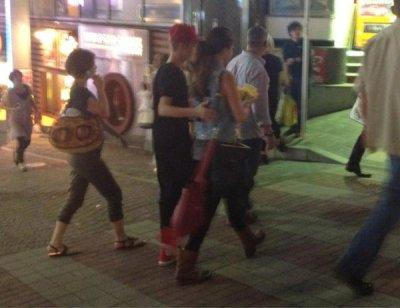 Candids/ Selena & Justin Bieber au Japon