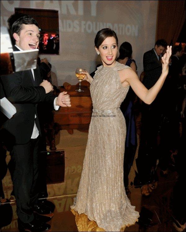 27.02.11 : Ashley etait presente a l'after party des oscar organisée par l'association AIDS d'Elton John  .       Je ne suis pas fan de sa robe & toi qu'en penses tu ? :  )