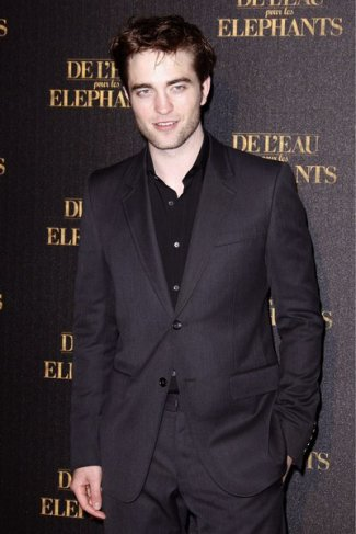 Robert Pattinson : La promo de Water For Elefants et 2 nouvelles photos de son film Bel Ami