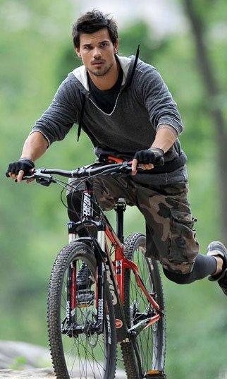 Taylor Lautner a l'affiche dans 2 films prochainement