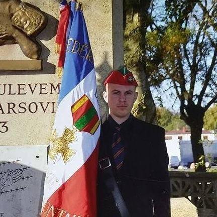 porte drapeaux Saint Quentin