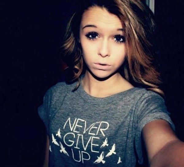 """Ne crois jamais les gens qui te disent """" Si il t'aime, il reviendra """" car si il t'aime, il ne part pas ...   ✝"""
