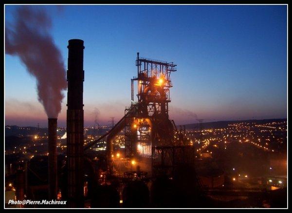 le HF6 de Seraing ,  vu de la tour à charbon