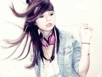 #. Dis toi bien une choses, aucune fille ne t'aimera comme moi je t'aime, jamais.♥