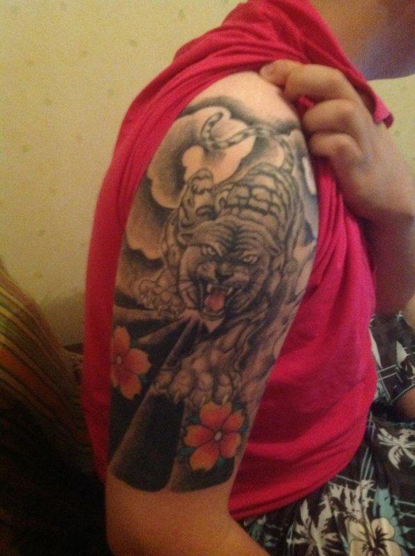 tatouage epaule droite japonais