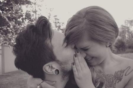 Être célibataire ne signifie pas que personne ne te veux. Cela signifie que Dieu est occupé à écrire ton histoire d'amour.